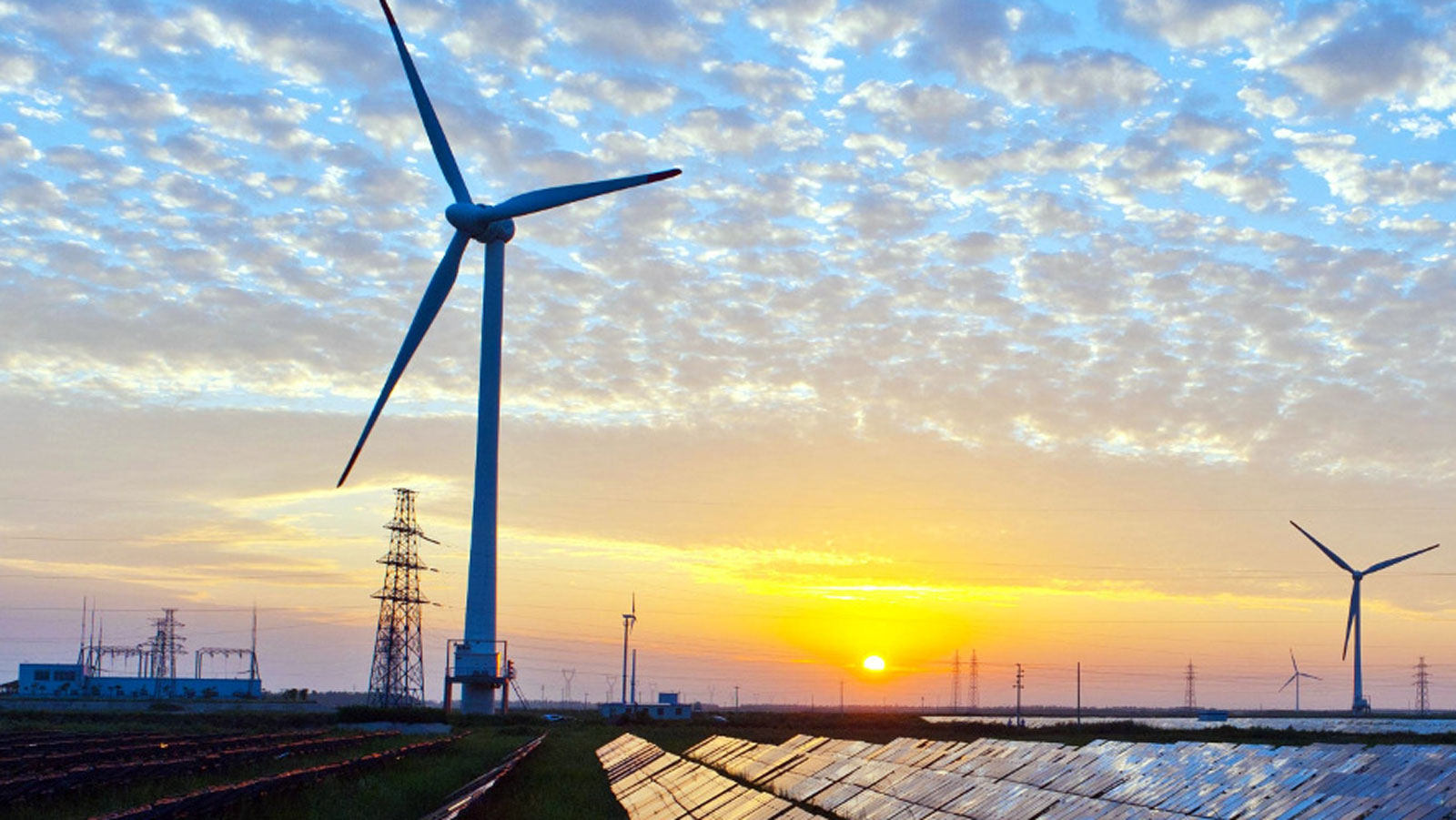 "<h3>WIND ENERGY</h3><h5>America has more than <span class=""slideshowHighlight"">tripled the amount of wind power</span> it produces since 2009, enough to power over 26 million homes.</h5>"